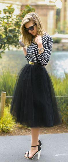 フレアスカートをモードに着る♡甘すぎない上級コーデ