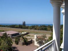Villa Moya 32 - Villa Moya 32 is a lovely self-catering apartment situated in Shelly Beach, a friendly town where the true tranquillity is rivalled only by its incredible scenery.This beautiful, modern apartment on the ... #weekendgetaways #margate #southafrica