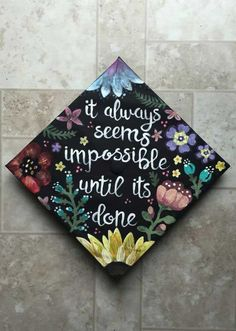 Some gorgeous grad caps ideas!