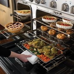 """THERMADOR PRD486EDG Pro Grand - 48"""" Pro-Style Dual-Fuel Range with 6 Star Burners (2 with ExtraLow Simmer Settings), Titanium Surface Electric Griddle, Stainless Steel Cooktop Surface, 5.7 Large Oven Capacity and Third Element Convection"""