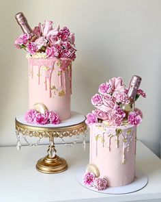 35th Birthday Cakes, 30th Birthday Cake For Women, Birthday Cake For Women Elegant, Elegant Birthday Cakes, Beautiful Birthday Cakes, Woman Birthday Cakes, Crystal Cake Stand, Lion Cakes, Champagne Birthday