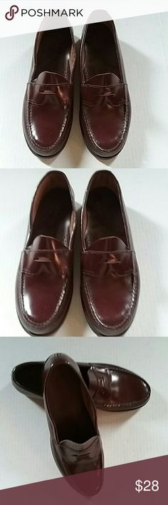 GH BASS MENS BURGANDY LEATHER PENNY LOAFERS This is a pair of GH bass men's burgundy leather penny loafers. They are in like brand new condition. They are size 10 B. It would appear they were only worn several times. Gh bass Shoes Loafers & Slip-Ons