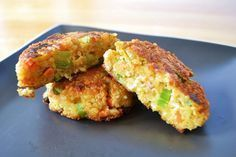 Low FODMAP Recipe and Gluten Free Recipe - Quinoa and feta burger Fodmap Recipes, Dairy Free Recipes, Baby Food Recipes, Mexican Food Recipes, Vegetarian Recipes, Cooking Recipes, Healthy Recipes, Lunch Saludable, Quinoa Cake
