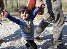 ¿Cómo es posible perder el rastro de 10.000 niños? Miles de niños han llegado solos a Europa entre los refugiados. Foto: EFE