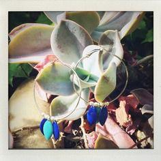 Créoles argentées et sequin de deux bleus. Etsy, Boutique, Plants, Handmade, Handmade Gifts, Unique Jewelry, Fantasy, Flora, Plant