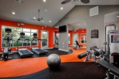 A home gym can be a great convenience. However, coming up with the perfect home gym design to suit personal preferences can be a challenge. The best home gym design increases the chance of achievin… Home Gym Decor, Gym Room At Home, Workout Room Home, Workout Rooms, Exercise Rooms, Home Gym Flooring, Gym Interior, Room Interior Design, Modern Interior