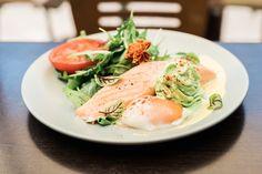 Double Cross Espresso Bar, Crows Nest | It's Unusual (confit salmon, 63 degree egg, spinach espuma & homemade hollandaise)