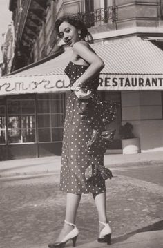 vintage everyday: These 31 Vintage Snapshots of '50s African-American Women in Dresses Are So Beautiful