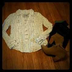 Guess floral western top **worn only a few times** Guess Tops
