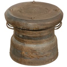 View this item and discover similar for sale at - Asian Cast bronze rain drum with the traditional intricate detailing and patterns carved all around both the body and the top,the top is flat centered Chinese Furniture, Yangon, Dragon Design, Mandalay, Moorish, Chiang Mai, Islamic Art, Drums, Heaven