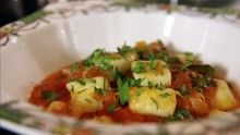 Gnocchi with fresh tomato and basil sauce