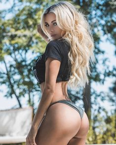 These Lindsey Pelas pictures are her hottest photos ever. We found sexy images, GIFs, and wallpapers from various bikini and/or lingerie photo shoots. Hot Girls, Belle Silhouette, Sexy Women, Fit Women, Femmes Les Plus Sexy, Mädchen In Bikinis, Hot Blondes, Sexy Ass, Gorgeous Women