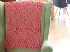 Ravelry: Flames Shawl pattern by A la Sascha Crochet Wrap Pattern, Crochet Patterns Amigurumi, Crochet Shawl, Crochet Symbols, Small Scarf, Dk Weight Yarn, Sock Yarn, Crochet Home, Crochet Fashion