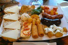 Découvrez toutes les recettes de tapas du Chef et partagées dans le Club : Tapas de crevettes et de tapenade, Pizza Rolls aux olives noires Tramier, Tapas de bresaola roulé à la nectarine...