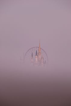 Cinderella's castle in the fog, Disney World Robert Frank, To Infinity And Beyond, Jolie Photo, Disney Love, Disney Magic, Photos, Pictures, Photographs, Monuments