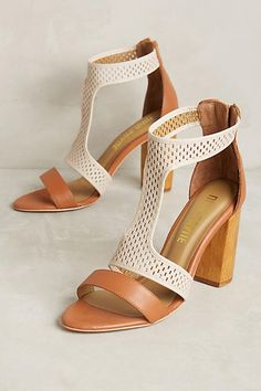 Nina Payne Sena Heel
