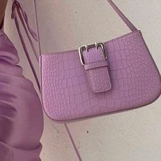 Discover recipes, home ideas, style inspiration and other ideas to try. Moda Aesthetic, Aesthetic Bags, Brown Aesthetic, Purple Aesthetic, Rainbow Aesthetic, Daphne Blake, My Bags, Purses And Bags, The Purple