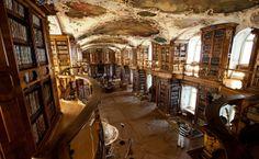 St.Gallen in der Schweiz, liegt unweit des #Bodensee St Gallen, Fair Grounds, Old Town, Switzerland, German, Places, Architecture, Nature
