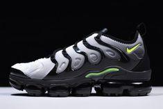 513305c9d74 Nike Air VaporMax Plus Black Volt-White 924453-009
