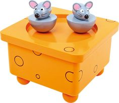 The small mice are dancing on the cheese to the nice melody! Due to the attached magnets the mice are removable. Company Musical, Plate, Musical Toys, Play Centre, Baby Games, Infant Activities, Toddler Toys, Bunt, Toy Chest