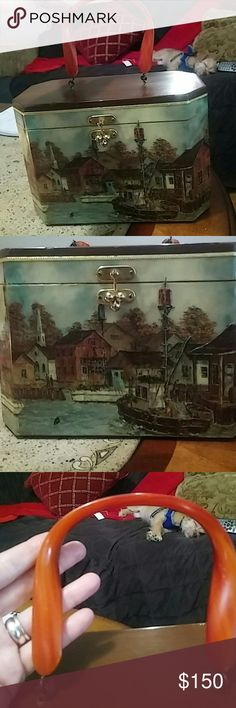 🎀Vintage Decoupage wood purse with lucite handle Gorgeous! Lucite handle, with original lining and mirror , normal wear for this beauty , nothing loose, opens and shuts perfectly , havent seen one more beautiful!🎀 autographed Bags