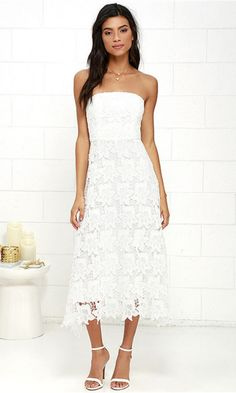The BB Dakota Eleanor Ivory Lace Strapless Midi Dress is perfect for any elegant gathering! Floral lace stunner with a strapless bodice and lightly flared midi skirt with sheer lace hem. Pretty White Dresses, Cute White Dress, Beautiful Summer Dresses, Little White Dresses, Beautiful Outfits, Cute Dresses, White Lace, Beautiful Clothes, Strapless Midi Dress