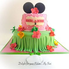 - Minnie Mouse Luau Cake