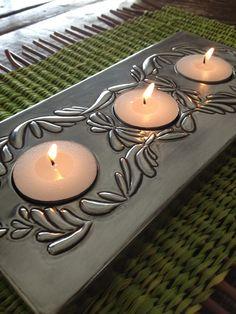Set de velas en base de Pewter Tin Foil Art, Aluminum Foil Art, Aluminum Can Crafts, Tin Art, Metal Crafts, Pewter Art, Pewter Metal, Metal Embossing, Zinn
