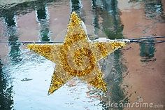 Sparkling star decoration on Sile river during winter holidays, in Treviso city, in Veneto, Italy. Christmas Star, Christmas Photos, Holiday City, Sparkling Stars, Star Decorations, Winter Holidays, Italy, River, Stock Photos