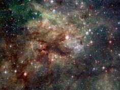 NEBULOSA DE LA TARÁNTULA.-Imagen NASA/ESA (EstaciónEspacialAustral).-Primer impresionante dado a conocer esta semana muestra parte d la Nebulosa d la Tarántula, como se ve por telescopio espacial Hubble .-La región de formación estelar de gas de hidrógeno ionizado se encuentra en Gran Nube de Magallanes, galaxia satélite de Vía Láctea. Los anfitriones de la nube muchos fenómenos extremos cósmicos, incluyendo supernova remanente, de acuerdo con la Agencia Espacial Europea.-