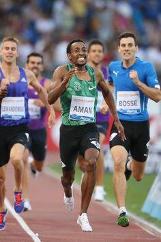 800 metri - Arriva la terza vittoria consecutiva di Mohammed Aman all'Olimpico in 1:43.56. All' uscita della curva conclusiva ha resistito alle leve talentuose di Nijel Amos, secondo in 1:43.80. Va rimarcato l'ottimo 1:45.07 di Giordano Benedetti, secondo tempo della carriera. Terzo in 1:43.92 il keniano Kinyor, a due centesimi il polacco Adam Kszczot, a otto l'altro kenyano Rotich. Davanti all'azzurro anche l'altro polacco Lewandowski (1:44.25) e il francese Pier-Ambroise Bosse in 1:44.42.