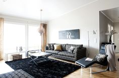 large_print_over_sofa_black_white_natural