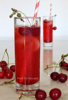 Food for thought: Βυσσινάδα σπιτική Cookbook Recipes, Cooking Recipes, Homemade Syrup, Party Drinks, Finger Foods, Sweet Recipes, Smoothies, Frozen, Canning