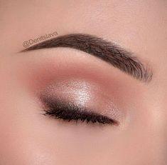 Hochzeit Nude Peach Pink Charcoal Eye Makeup - Make Up - . - Make up ideen - Eye-Makeup Light Makeup Looks, Light Eye Makeup, Pink Eye Makeup, Colorful Eye Makeup, Nude Makeup, Makeup For Green Eyes, Natural Eye Makeup, Simple Makeup, Eyeshadow Makeup