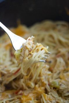 Crock-Pot Cheesy Chicken Spaghetti //This Crockpot Chicken Spaghetti Recipe is a creamy, cheesy family favorite! Cook the sauce for a few hours and then toss with pasta. You can also use zucchini noodles instead of wheat pasta for a low carb dinner Chicken Spaghetti Recipe Crockpot, Chicken Spaghetti Recipes, Pasta Recipes, Cheesy Spaghetti, Chicken Pasta, Creamy Chicken, Recipe Chicken, Spaghetti Squash, Chicken Casserole