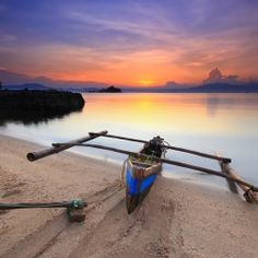 Indonesian Boat - 10Nature | The Best Nature Photography