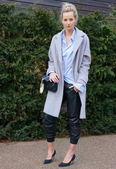 """Love this """"sloppy"""" look with class! Star Fashion, Love Fashion, Fashion Beauty, Girl Fashion, Fashion Outfits, Womens Fashion, Mein Style, Vogue, Professional Outfits"""