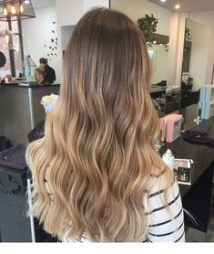 72 Brunette Hair Color Ideas in 2019 Brown Hair Balayage, Brown Blonde Hair, Hair Color Balayage, Brunette Hair, Hair Highlights, Bronde Hair, Caramel Balayage, Caramel Highlights, Bayalage