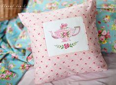 Несмотря,что дизайн французский, такие цветочные узоры ассоциируются у меня с британским настроением и комнатами добрых принцесс!  Ча...