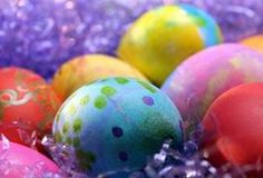 Coloring eggs existed in the pagan world, but was not a Christian tradition until the century. traditions pagan Christian Meaning of Easter Egg Hunt Easter Party Games, Adult Party Games, Game Party, Party Fun, Incubating Chicken Eggs, Games To Play Outside, Egg Game, Felt Ball Rug, About Easter