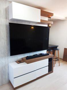 Tv, Flat Screen, Woods, White People, Wood, Blood Plasma, Television Set, Flatscreen, Dish Display