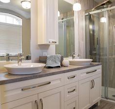 Inspirez-vous   Conception et fabrication d'armoires de cuisine et de meubles de salle de bain - Armoires Distinction Downstairs Bathroom, Bathroom Renos, Master Bathroom, Double Vanity, Sweet Home, Interior Design, Reno Ideas, Conception, Decoration