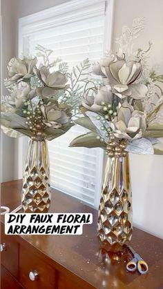 Diy Centerpieces, Vases Decor, Floor Vase Decor, Decorations, Table Decor Living Room, Room Decor, Diy Crafts For Home Decor, Floral Arrangements, Home Interior Design