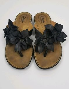 228417377f0d76 Clarks Bendables Black Leather Sandals Flower White Stitching Comfort Size M