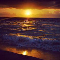 #Beautiful #SunRise  #RivieraMaya #PlayadelCarmen #SandosPlayacar