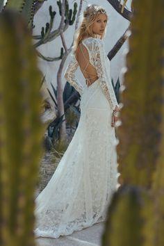 Bohemian Wedding Dresses, Boho Bride, Chic Wedding, Bridal Dresses, Wedding Gowns, Summer Wedding, Green Wedding, Wedding Shoes, Bohemian Weddings