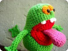 Slimer Amigurumi by leesasaur Love Crochet, Crochet Dolls, Crochet Yarn, Ghostbusters, Crochet Batman, Crazy Toys, Crochet Accessories, Stuffed Toys Patterns, Crochet Animals