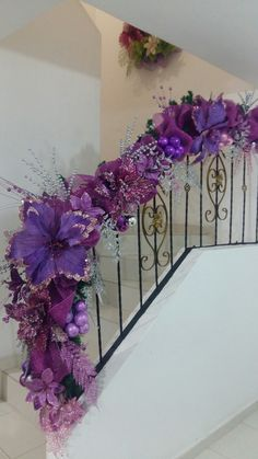 Christmas Stairs, Christmas Tree Dress, Xmas, Stair Banister, Banisters, Tea Party, Backdrops, Floral Wreath, Joy