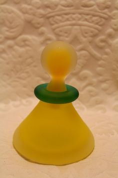Vintage Perfume Bottle - Yellow Frosted Glass w/Green Neck - Art Deco FABULOUS!