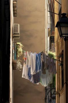 Normal way to dry clothes. European Summer, Italian Summer, Italian Life, Sitges, Cool Stuff, Northern Italy, Summer Aesthetic, New Wall, Belle Photo